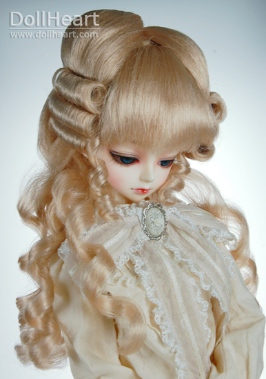 Dollheart wig for SD sized dolls